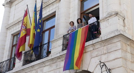 Climent_Bandera-orgullo-gay-LGTB20140627_0005-460x250