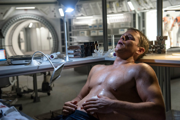 matt-damon-video-trainning-gym-the-martian-movie-trailer